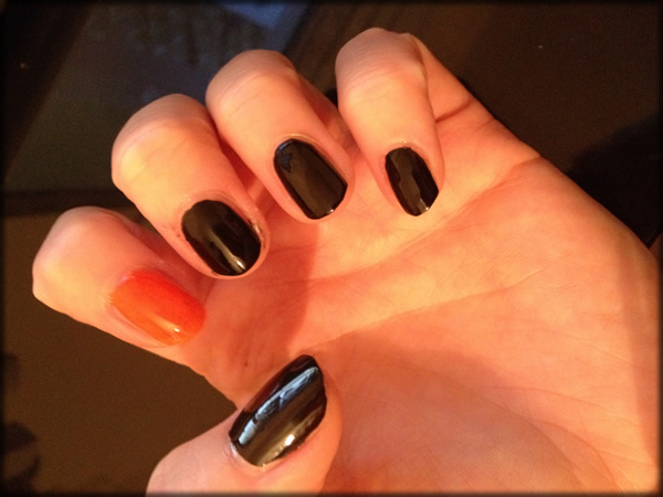 halloween pumpkin nail 5