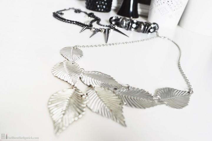 Poundland jewellery